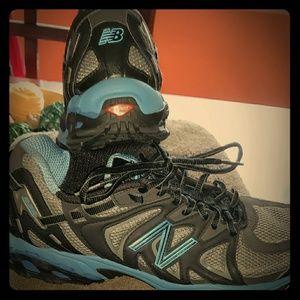New Balance Women's WT626 Trail Running Shoes EUC